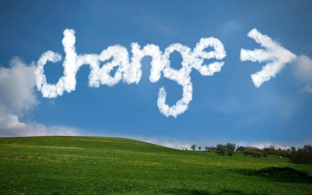 """Krajobraz ze słowem z chmur """"Change"""""""